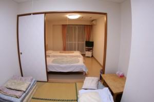 wayousitu1 300x199 お部屋と施設